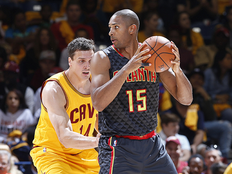 6 Cool-Looking Game Photos Of The Hawks New Gray Uniforms