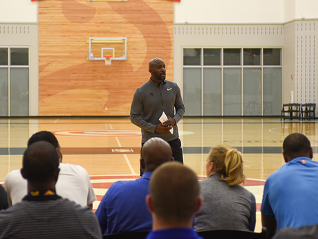 Lloyd Pierce Hosts First Coaches Clinic as Head Coach