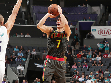 Hawks Fall Late To Hornets In Charlotte