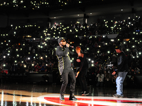 PHOTOS: Jeezy Debuts Hawks City Edition Jersey During Halftime Performance