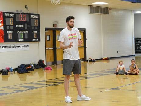 Ryan Kelly And Kevin Willis Surprise Jr. Hawks Campers