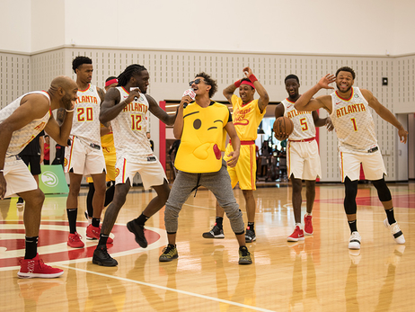 Hawks Put On A Show At Ultimate Fan Experience
