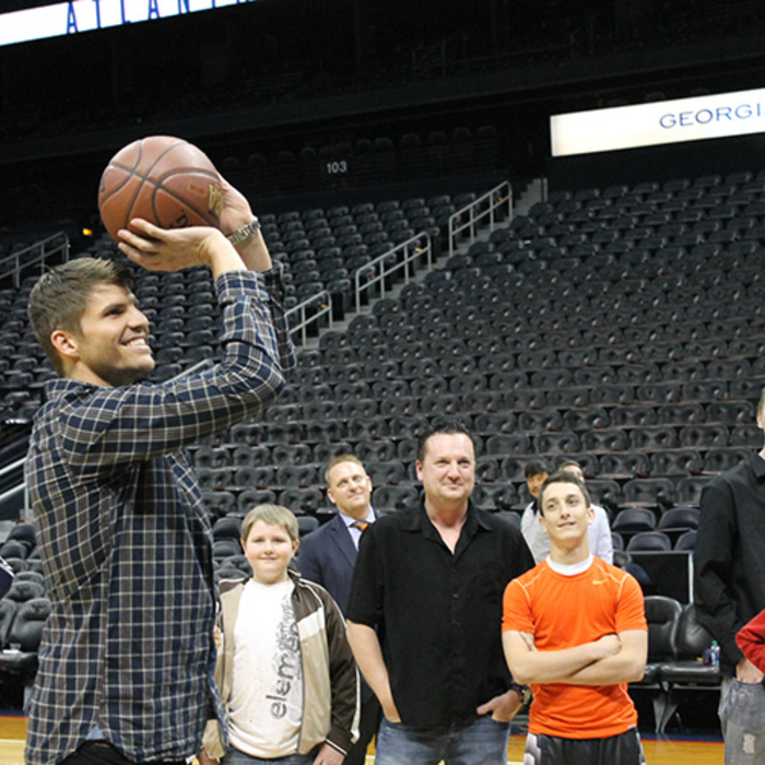 Kyle Korver Meet & Greet - March 20, 2014