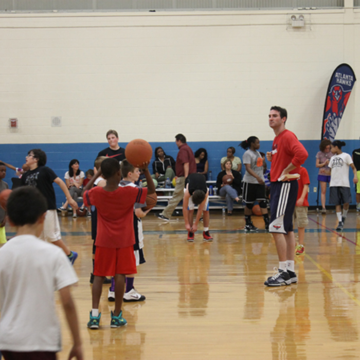 The Hawks Basketball Development team conducted the 94 Fifty Sports clinic.