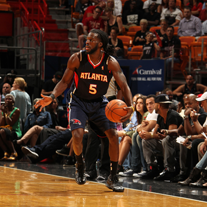 DeMarre Carroll looks for someone to pass to.