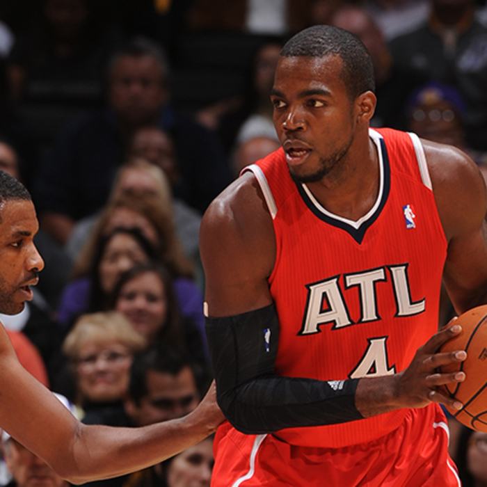 Paul Millsap faces up against the Lakers.