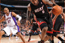 2010-11 Game Gallery: December 23, HEAT @ Suns