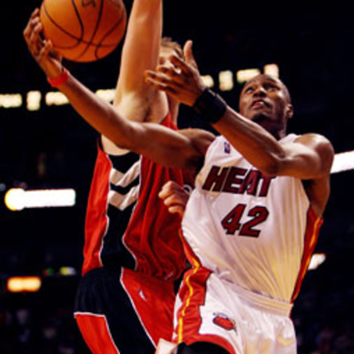 Photogallery 2006-07: April 03 vs Toronto Raptors