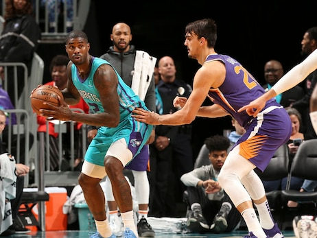 Hornets Rally From 20 Down, Suns Escape with Last-Minute Win