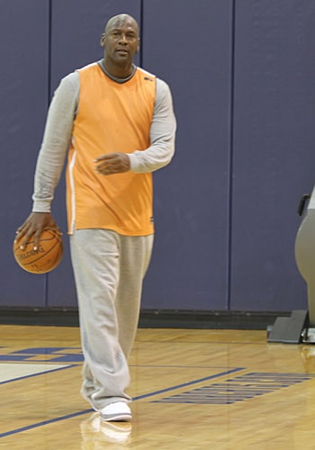 Gallery Michael Jordan Practices With Bobcats 2 10 11