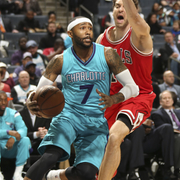 The Hornets top the Chicago Bulls, 101 - 91