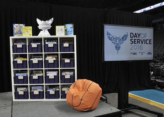 Peachy Hornets Day Of Service 6 20 2016 Charlotte Hornets Gmtry Best Dining Table And Chair Ideas Images Gmtryco