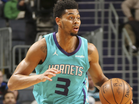 Hornets Thankful for 3rd-Staight Win Heading into Holiday