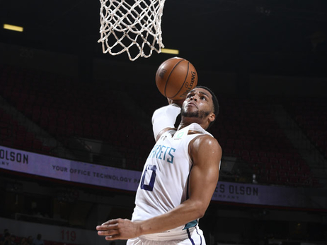 Bridges Impresses but Hornets Defense Falters in 4th vs Spurs