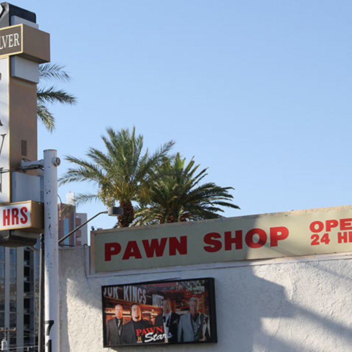 Cody Zeller vists Pawn Stars.
