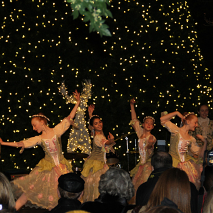 Gallery - Bobcats Participate in Uptown Tree Lightings