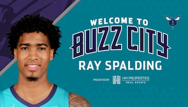 Hornets Sign Ray Spalding