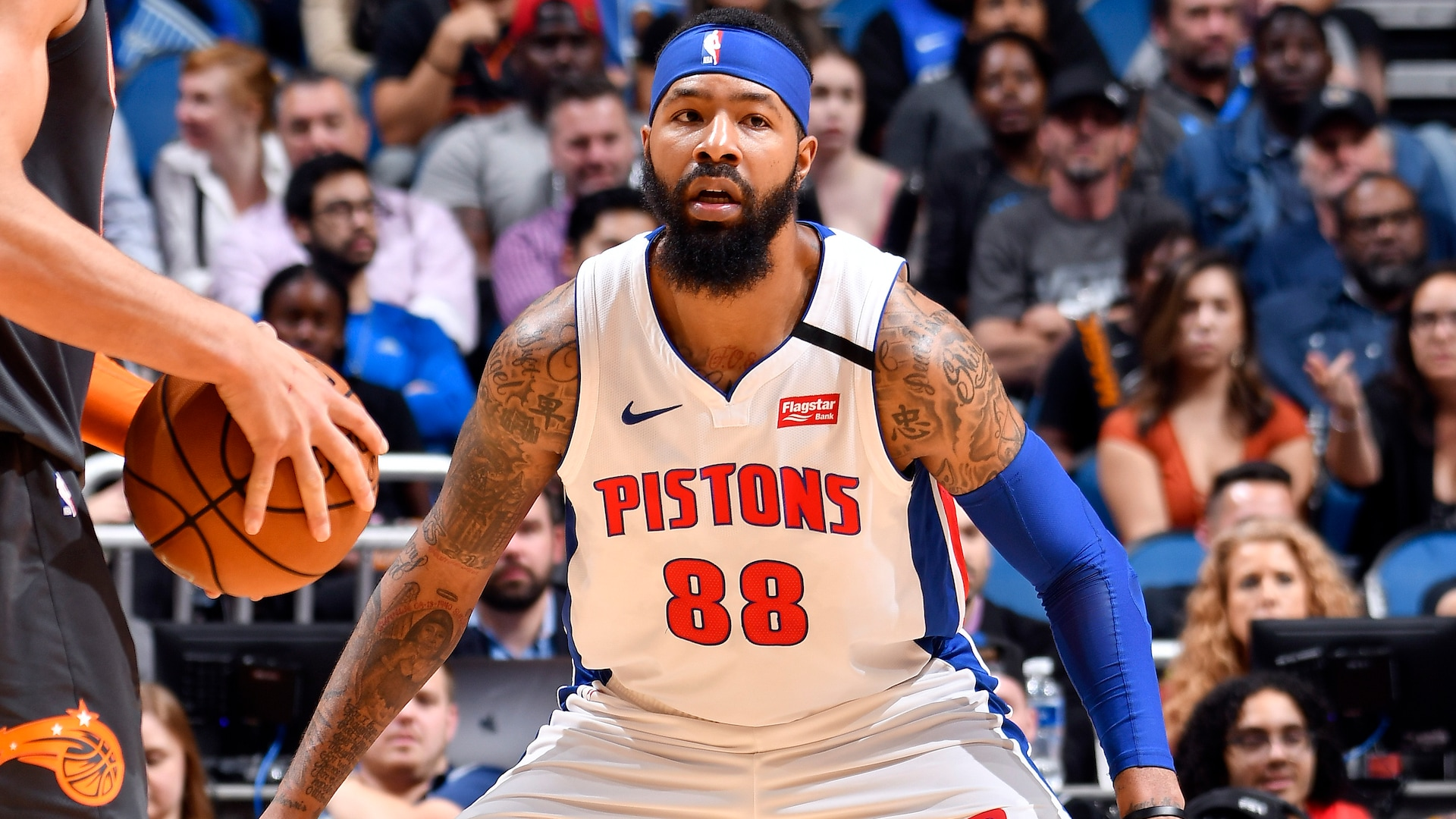 Reports Lakers To Sign Markieff Morris Waive Demarcus Cousins Nba Com