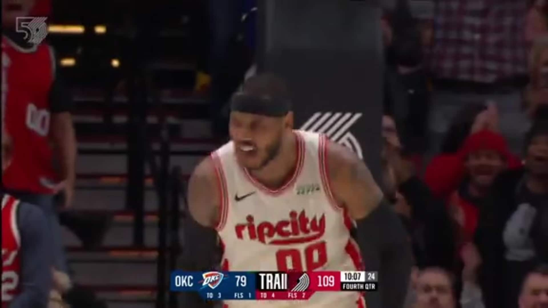 Carmelo Anthony drives baseline and dunks, Moda Center erupts