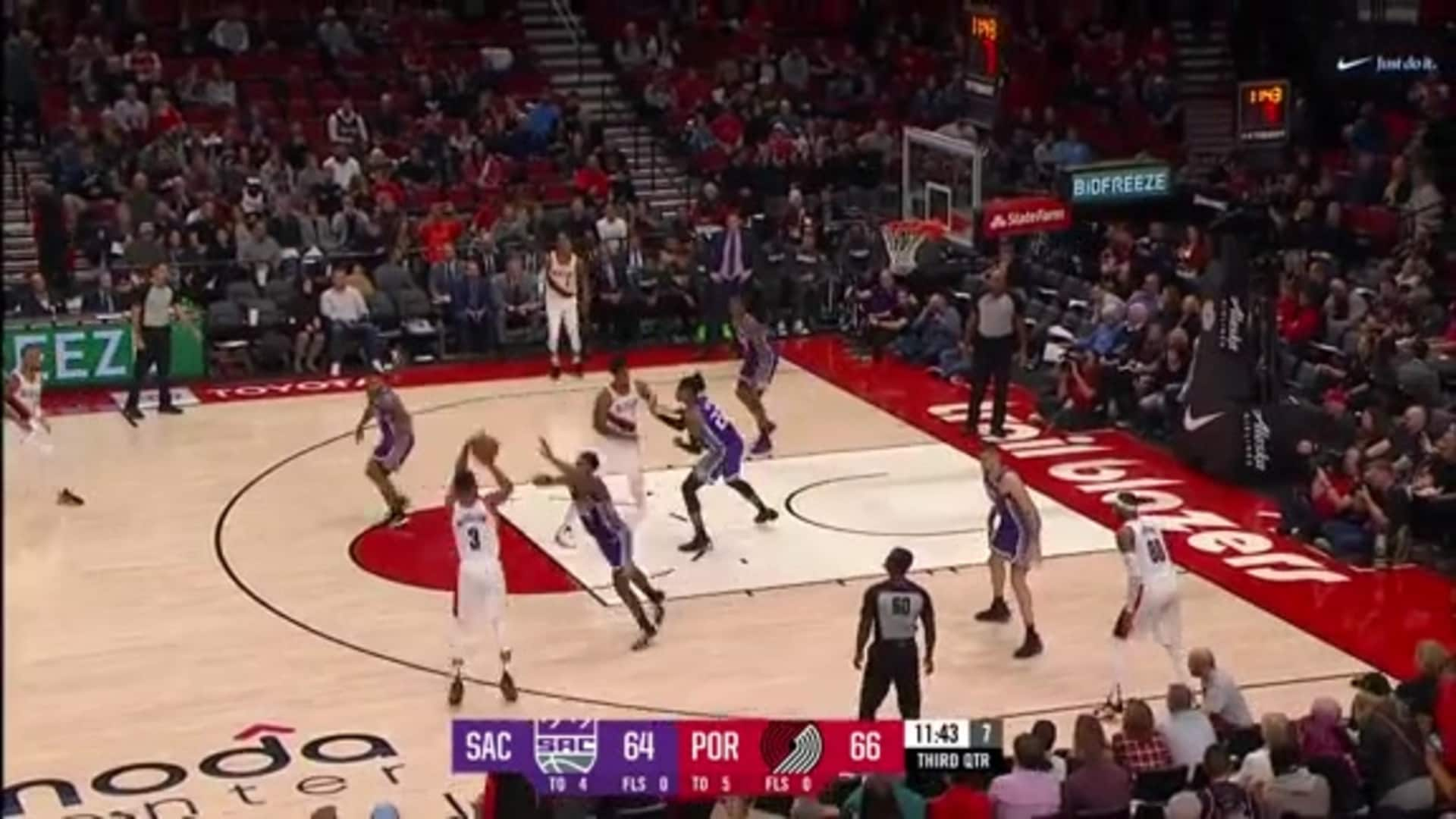 CJ McCollum opens the second half with a stepback three