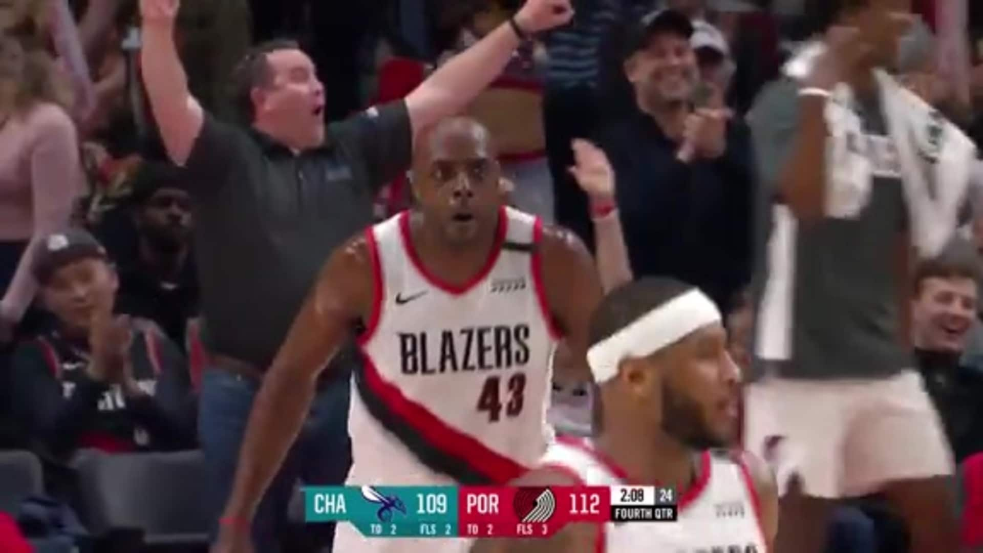Anthony Tolliver scores 16 points in the fourth quarter vs. Charlotte