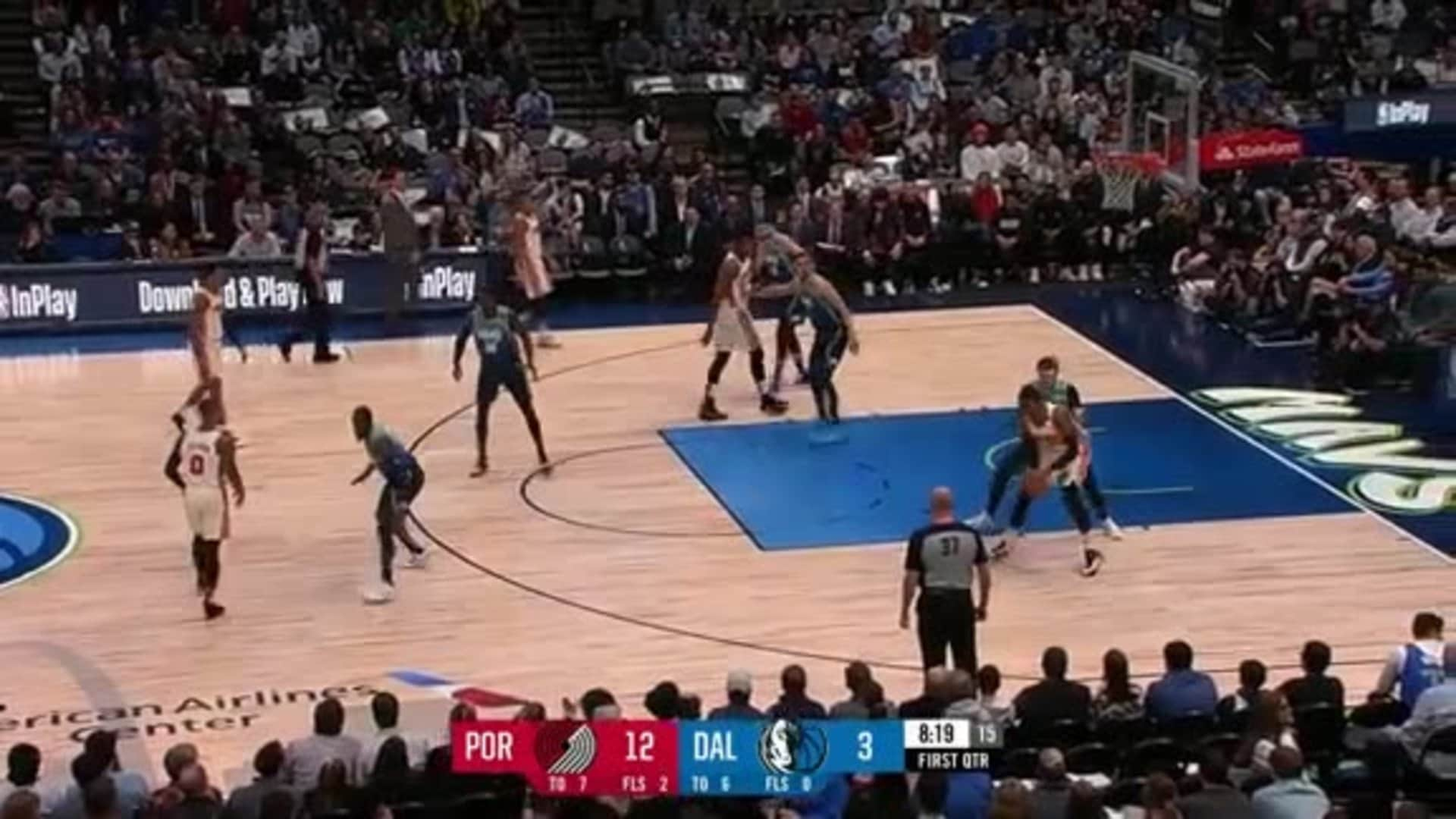 Carmelo Anthony goes to work on Luka Doncic