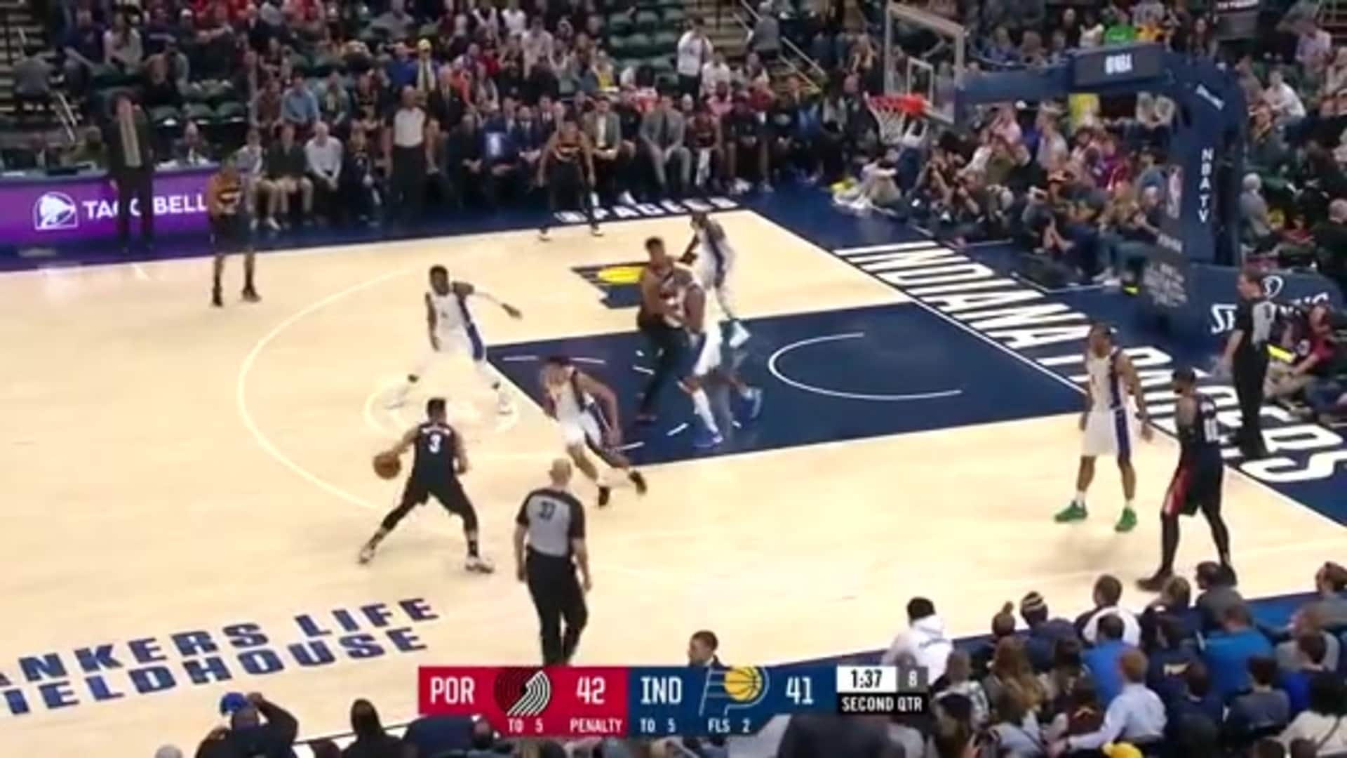 McCollum hits back-to-back threes near the end of the first half