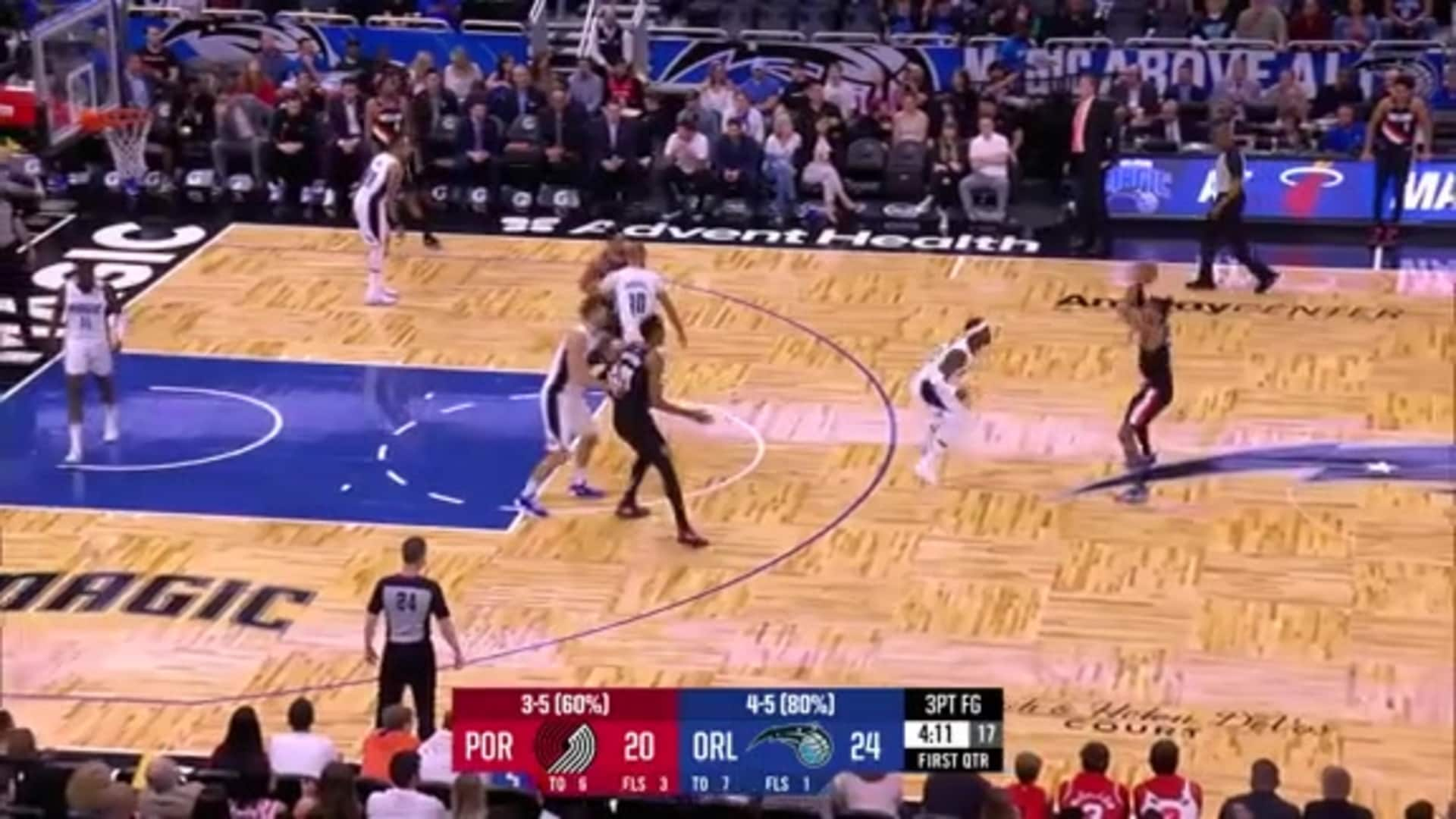 McCollum catches fire, hits four threes in the first quarter