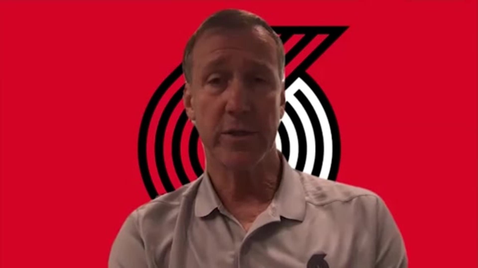 Coach Stotts Checks in on Trail Blazers Courtside
