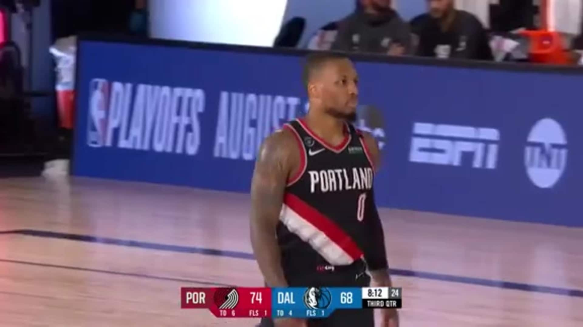 Damian Lillard catches fire from deep