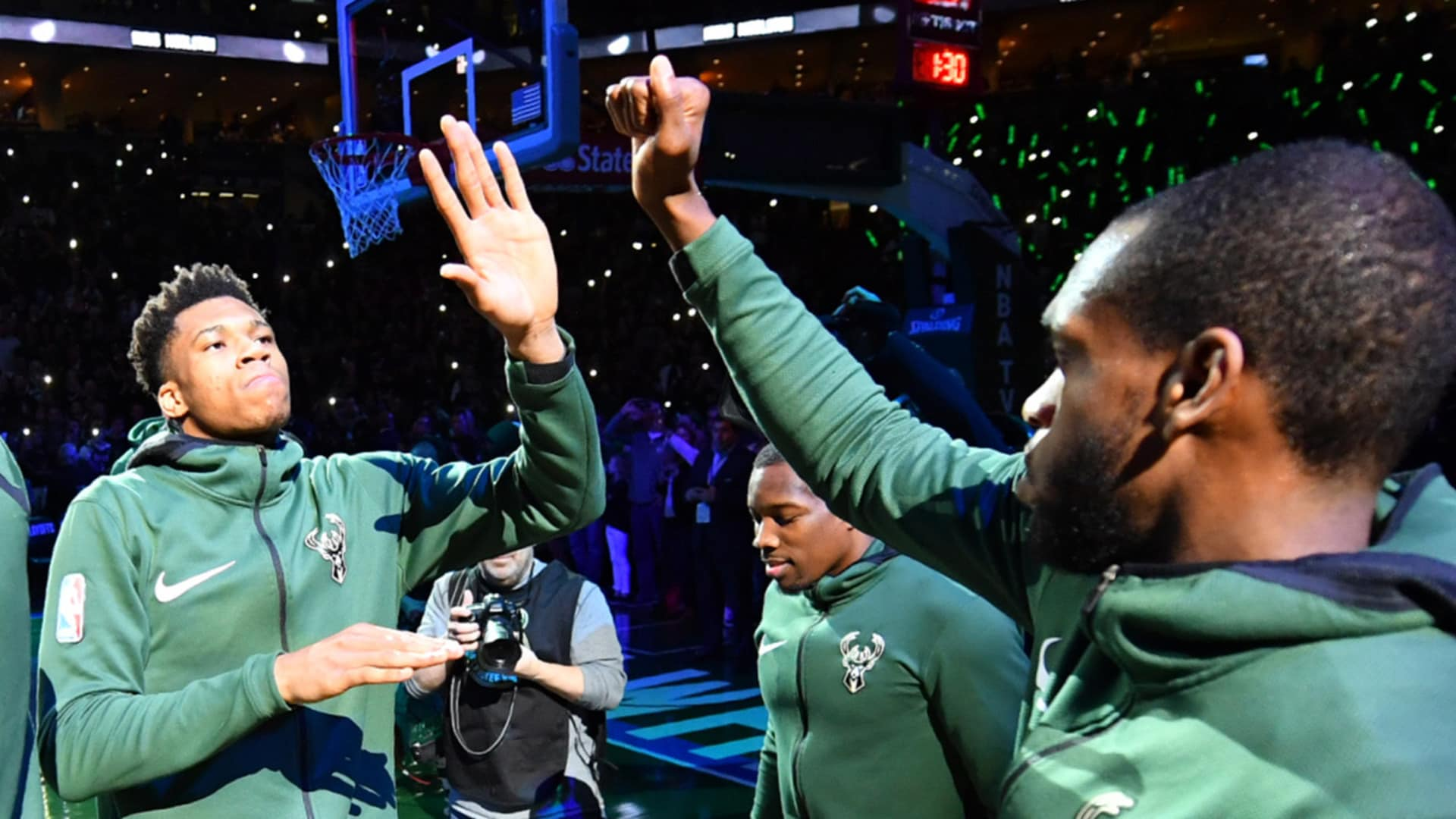 On This Date: Bucks Win Final Game At BMO Harris Bradley Center | 4.26.18