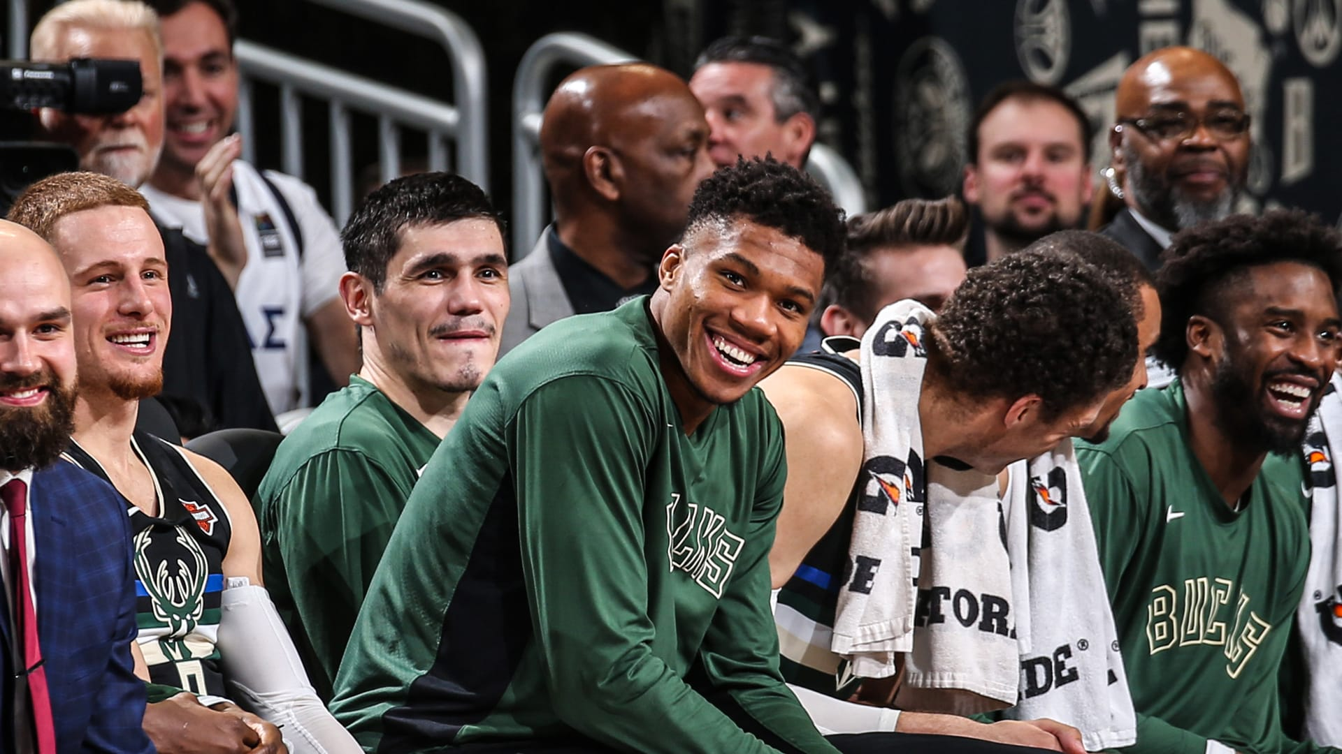 One Second Of Giannis' 25th Birthday | Season Recap: Game 23