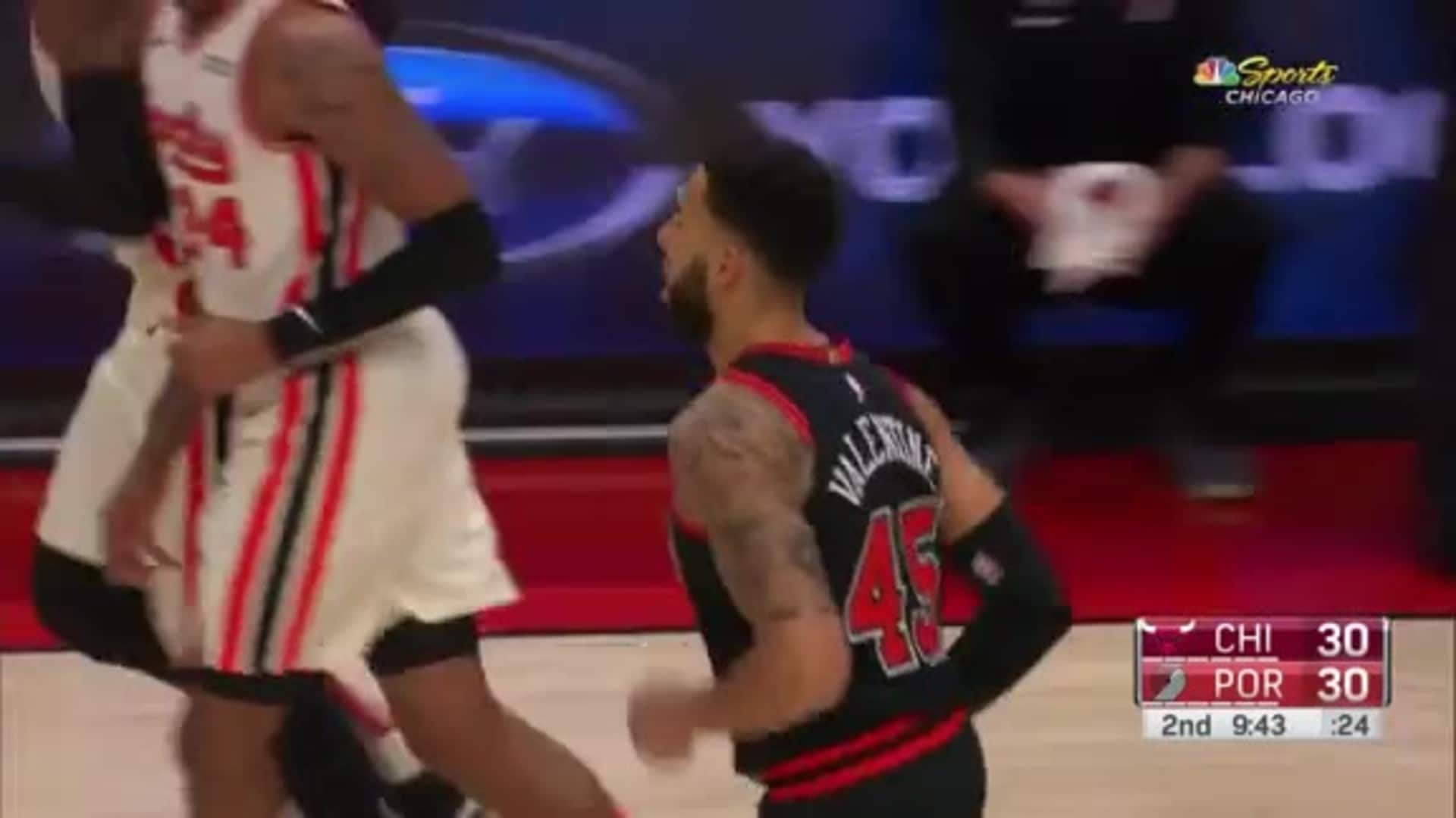 Denzel to Daniel alley-oop