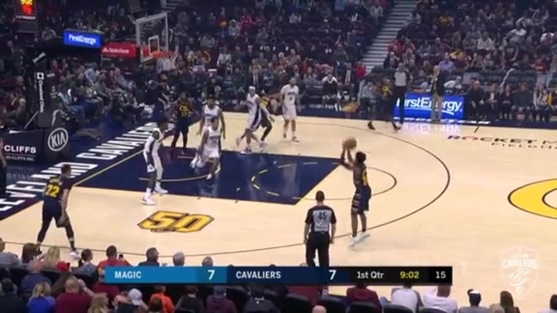 Cedi Finds a Wide Open Darius Garland For Three
