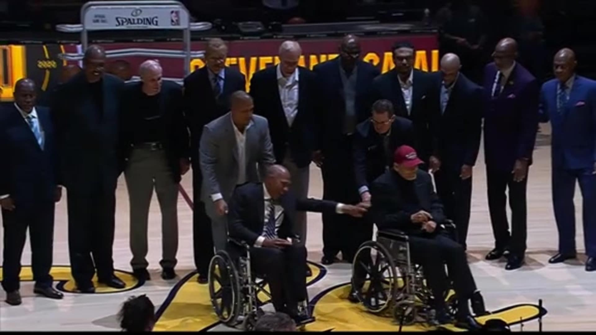 1970s Cavaliers Legends Honored at Halftime