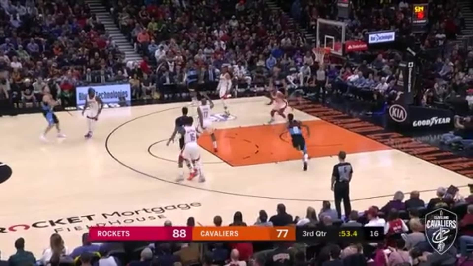 JC Scores Back-to-Back Lay-Ups to Cut Into Houston Lead