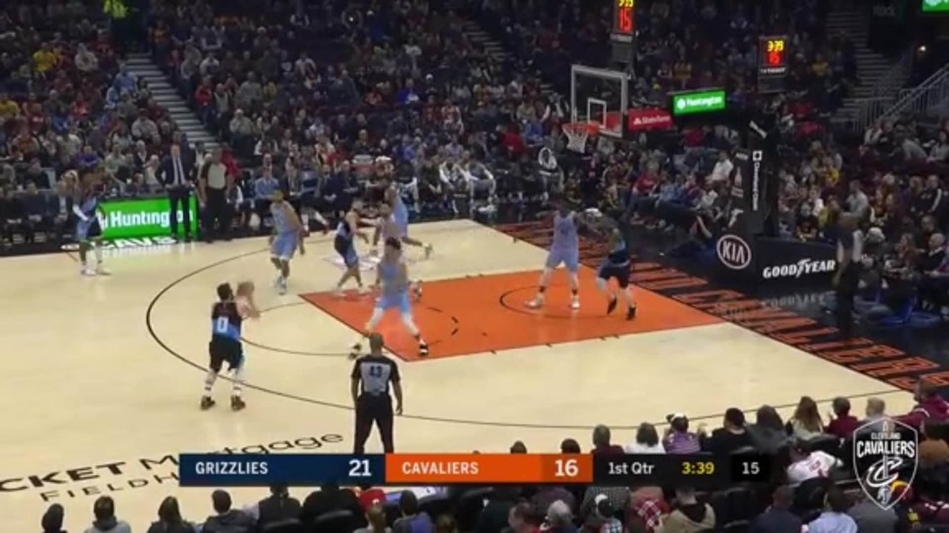 KLove Uses a Pump Fake to Get Open, Cans the Three