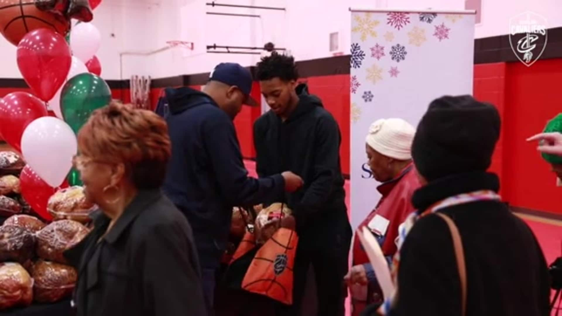 Darius Garland and Cavs Legends Deliver Dinners