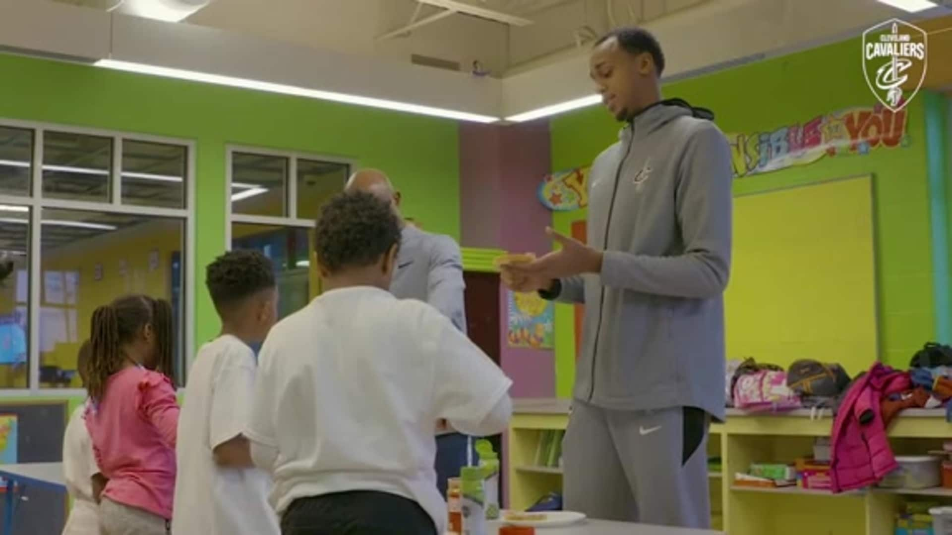 Cavs, Smucker's Spend Afternoon with Boys and Girls Clubs