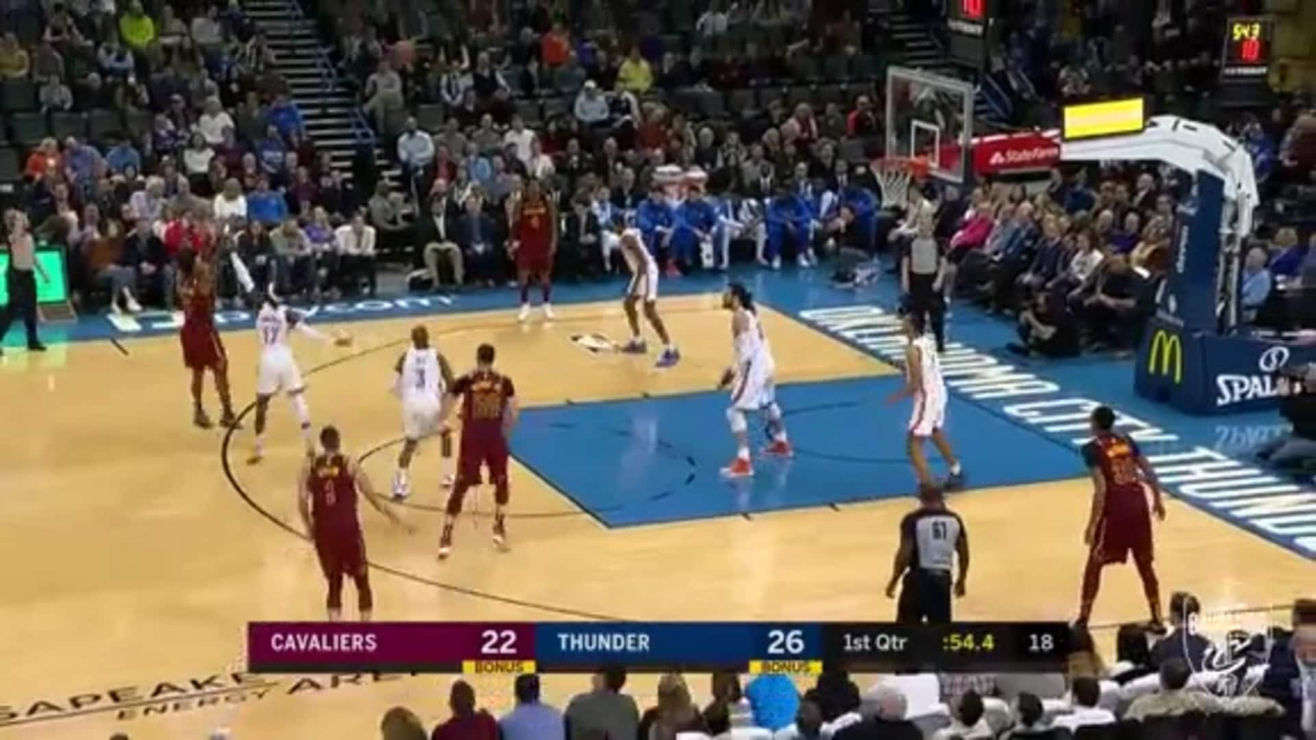 Sexton Hits a Triple, Has 12 Points in the First Quarter