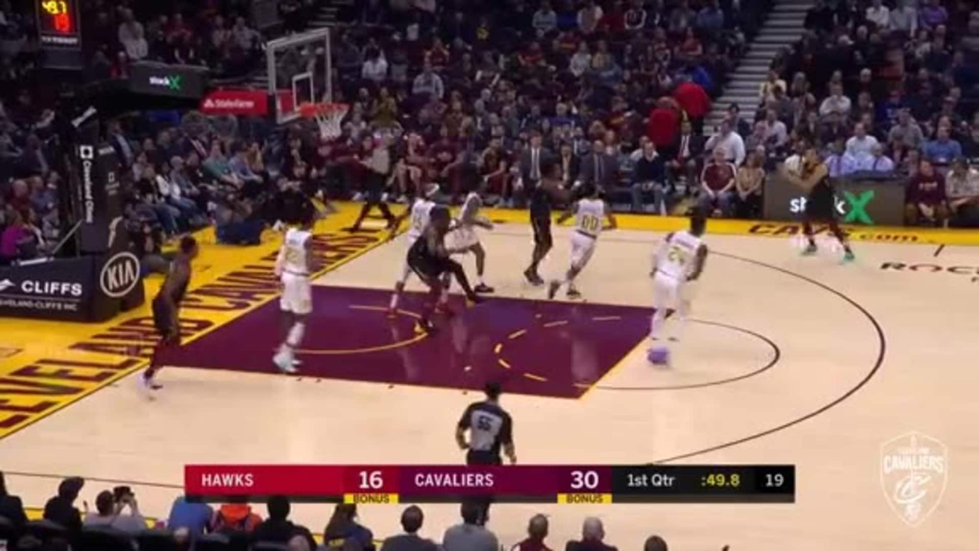 Exum Finds Sexton for a Long Three