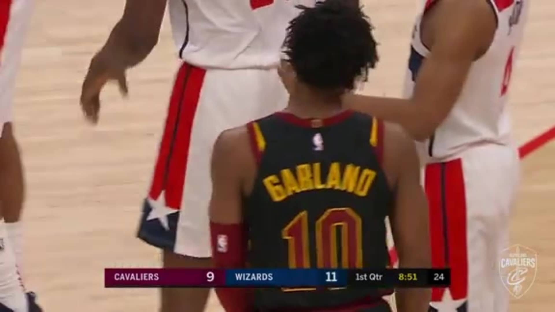 Garland's Dance to the Hoop Through Contact