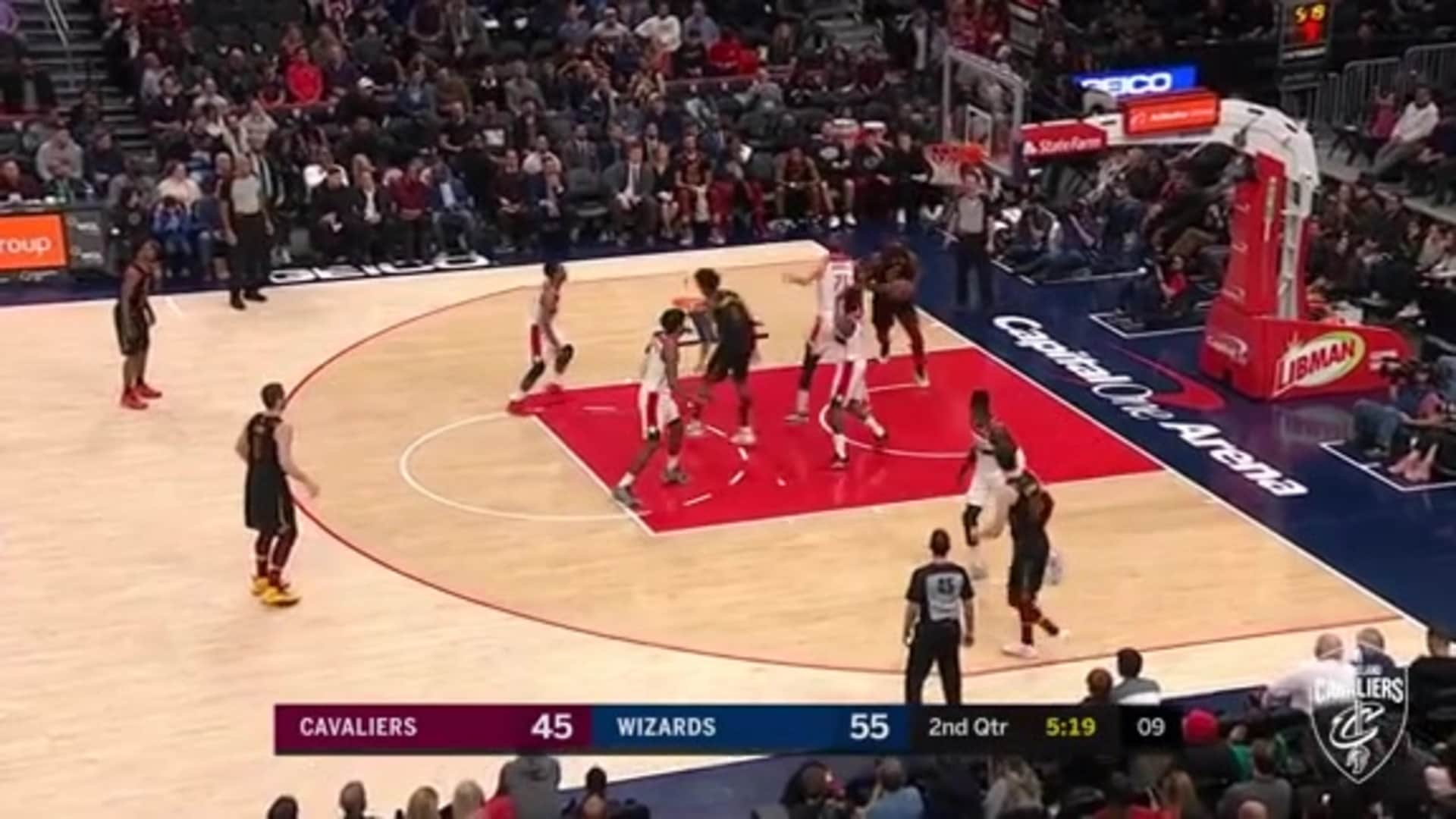 KPJ's Crafty Pass to Drummond for Dunk