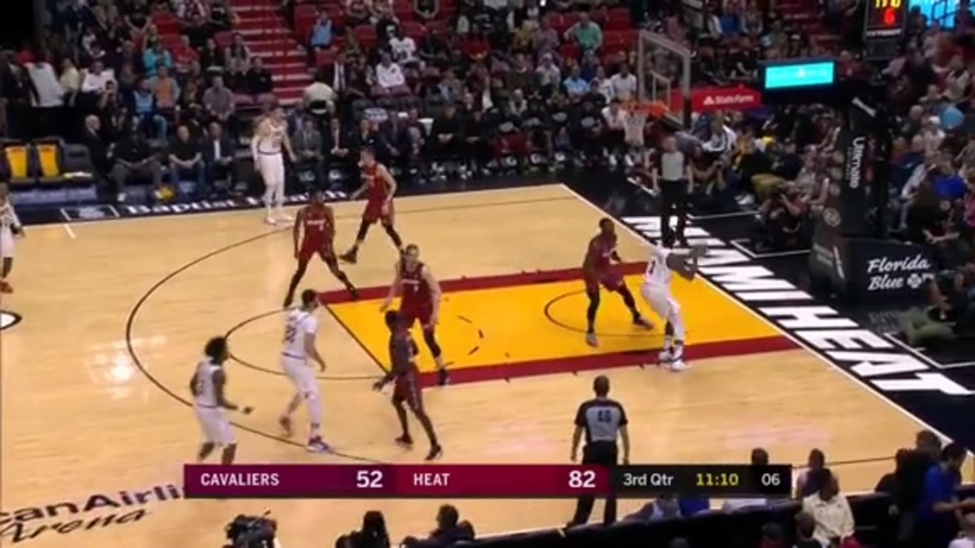 Sexton Feeds Drummond for Cavs First Bucket of the Second Half