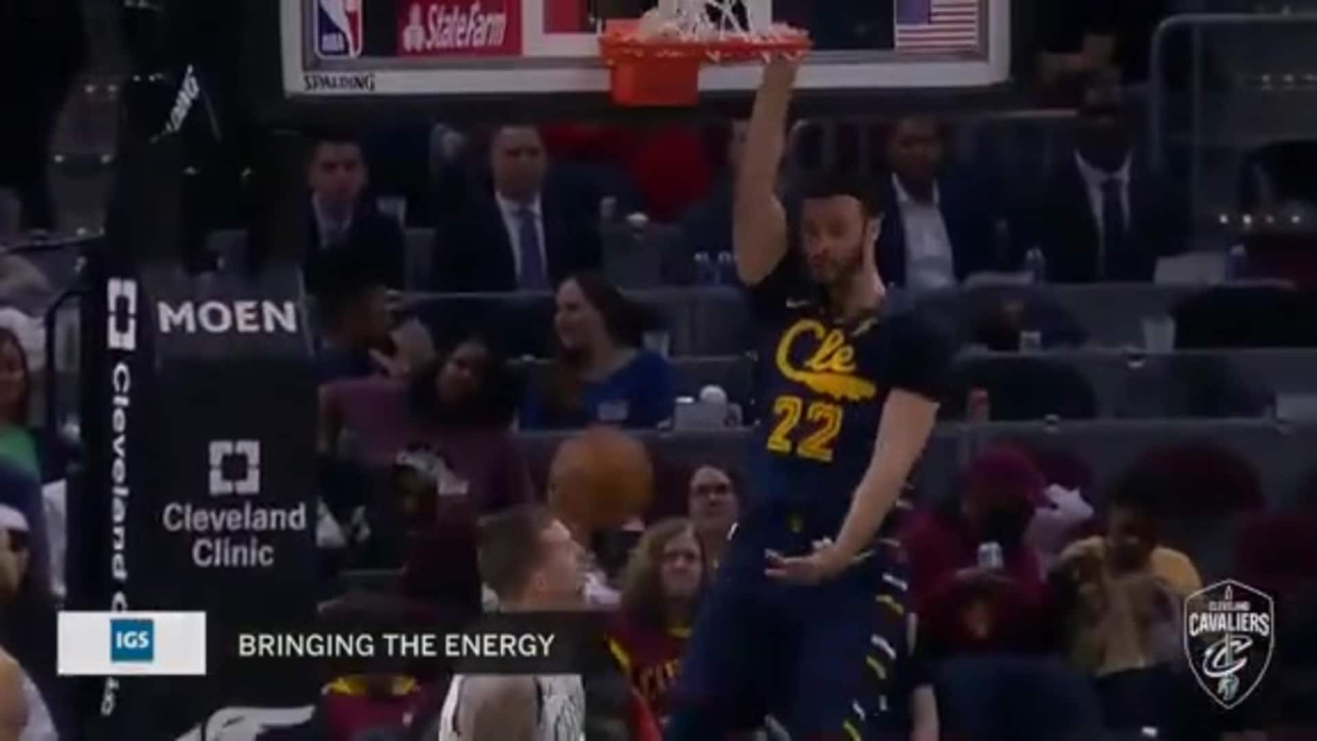 LNJ's Slick Move Leads to Dunk