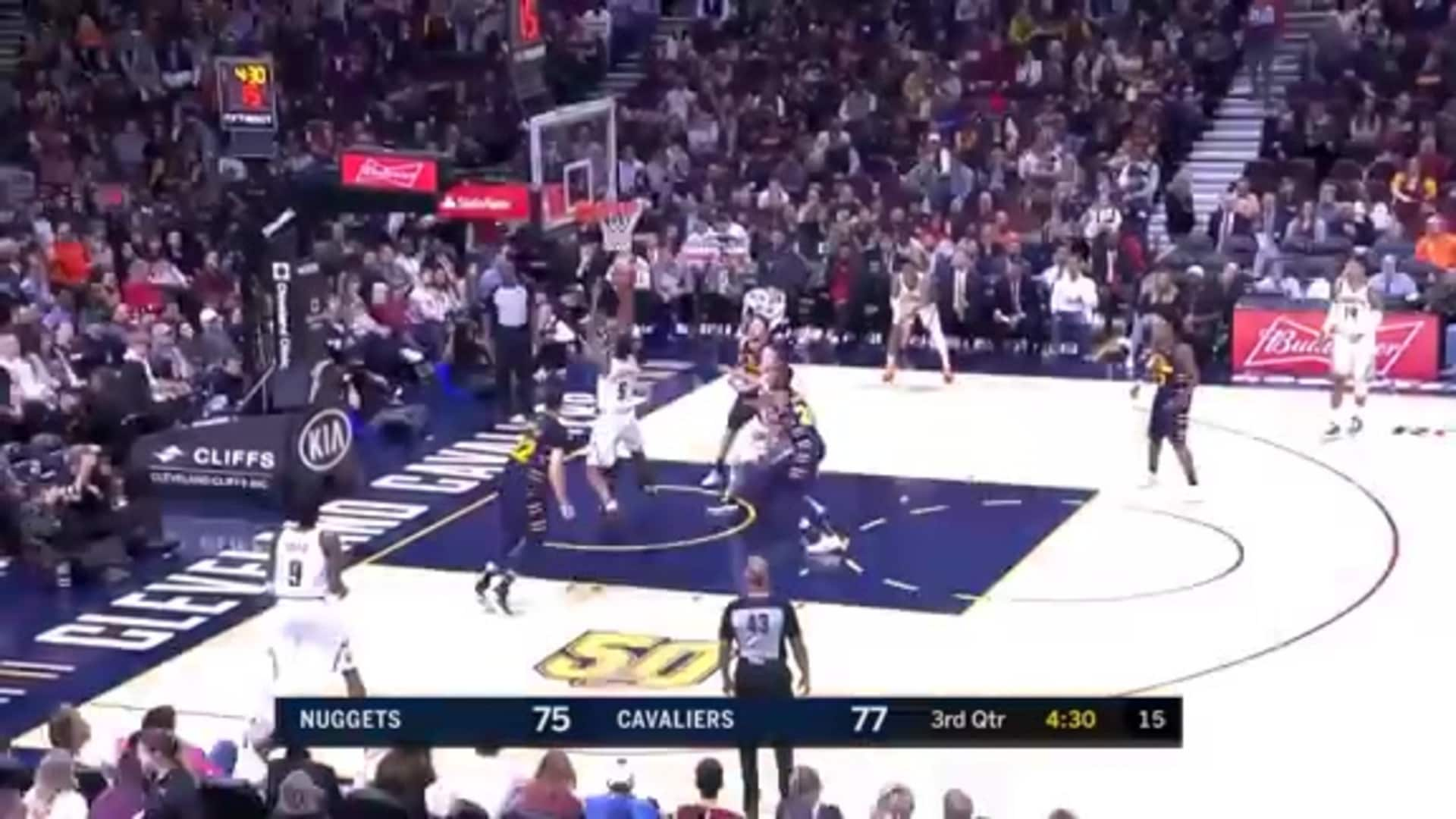 Thompson Rejects Nuggets Shot Attempt