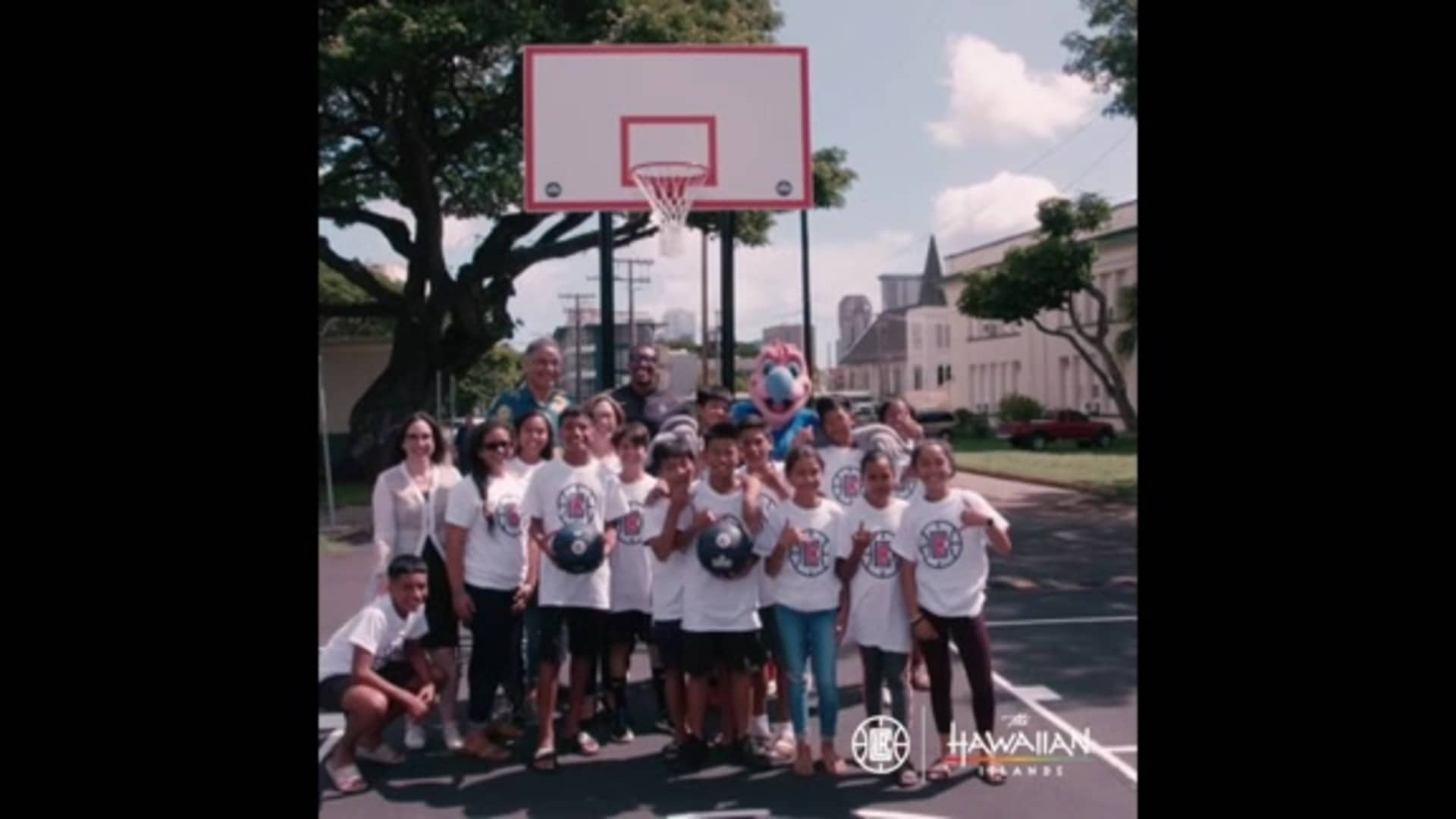LA Clippers Visit Hawaii's Central Middle School