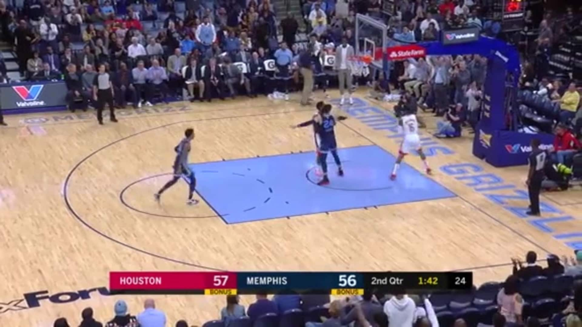 Dillon Brooks completes the 4-point play