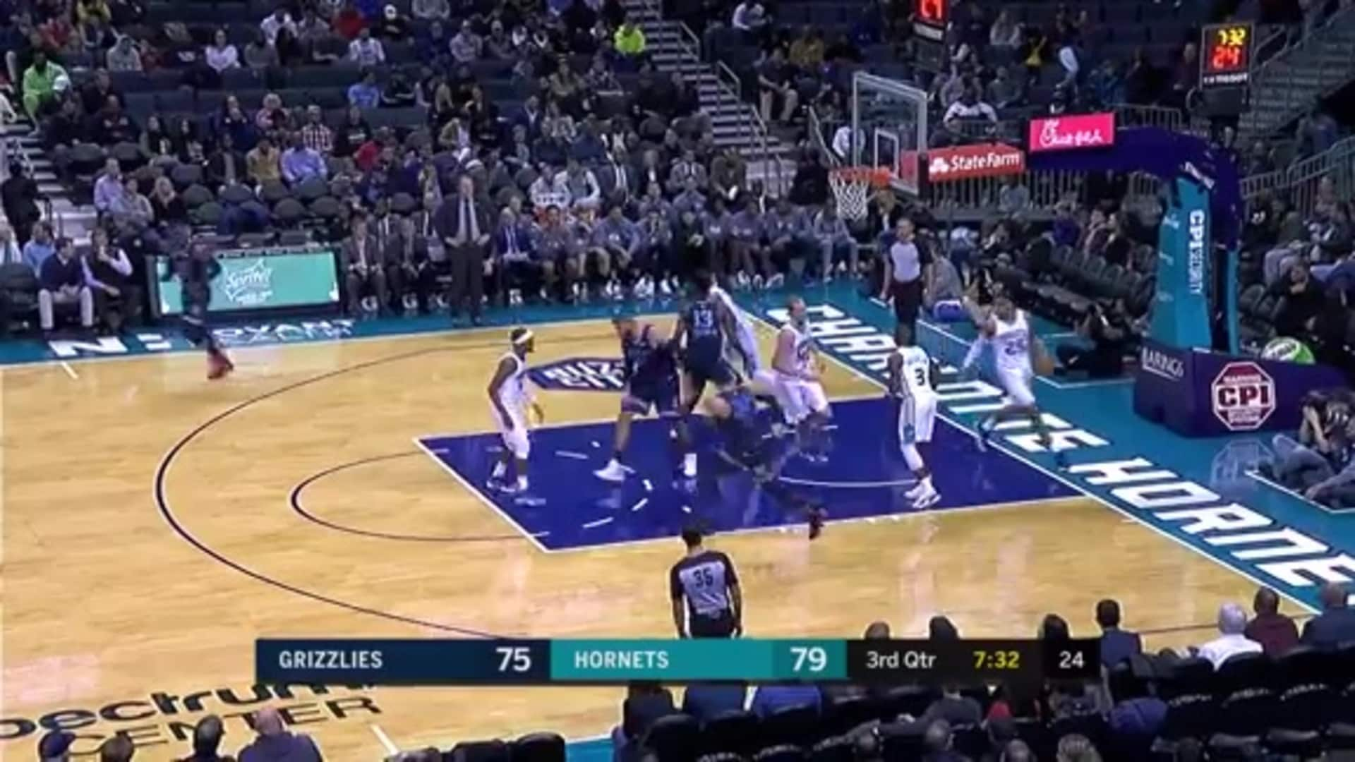 Dillon Brooks pulls up for a quick two