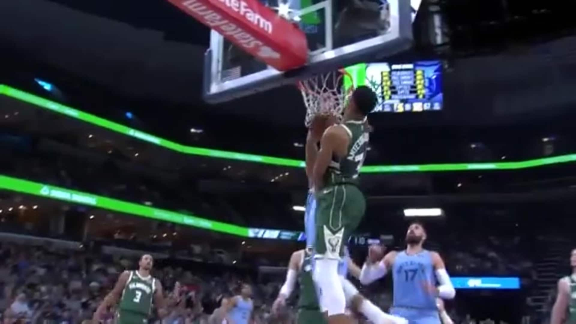 Kyle Anderson dunks on Giannis!